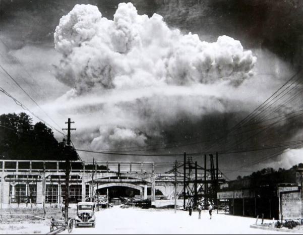 Sống xót qua 2 vụ đánh bom nguyên tử