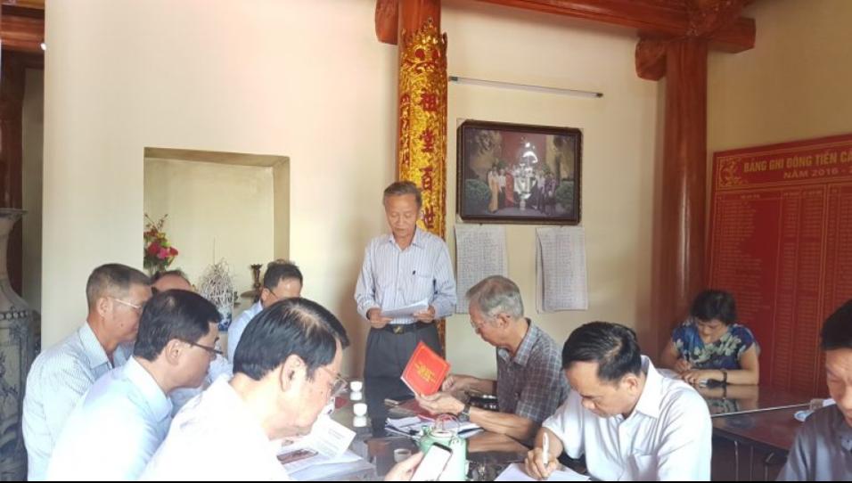 Ông Dương Ngọc Tiến – Phó Chủ tịch Hội đồng Họ Dương liên quận Gia Lâm – Long Biên báo cáo hoạt động