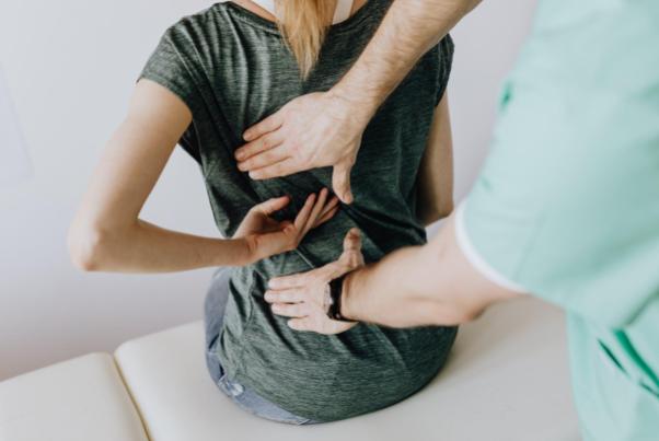 массаж спины при болях - можно или нет